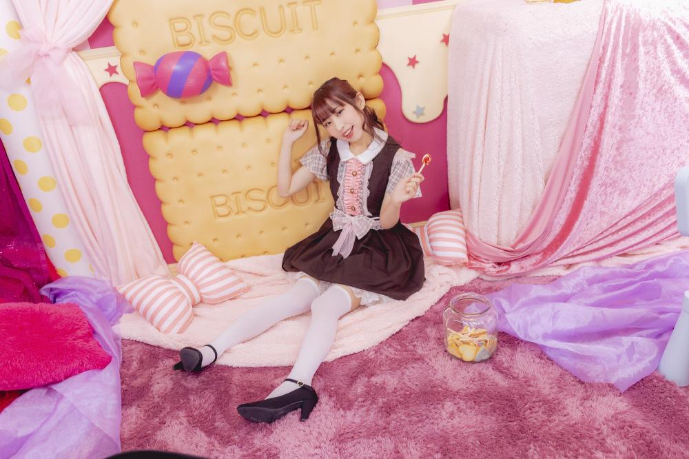 【特典対象】 ときめき*Decoration / 虹色*Sweetie ◆ソフマップ特典「直筆サイン入りブロマイド」_1